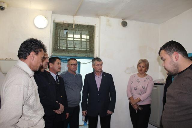 Представители Общественной наблюдательной комиссии Оренбургской области совместно с общественниками посетили изолятор временного содержания ОМВД России по Первомайскому району