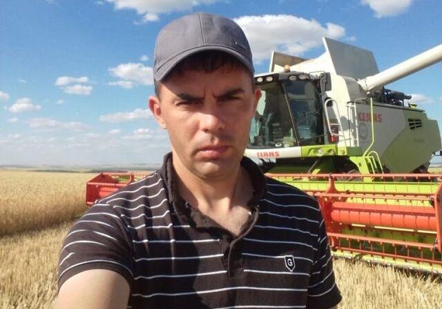 Пётр Асташкин из СПК «Никольское» — лидер регионального рейтинга лучших комбайнеров