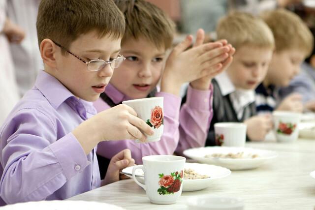 Бесплатным питание для учащихся младших классов в школах Оренбуржья станет уже с 1 сентября