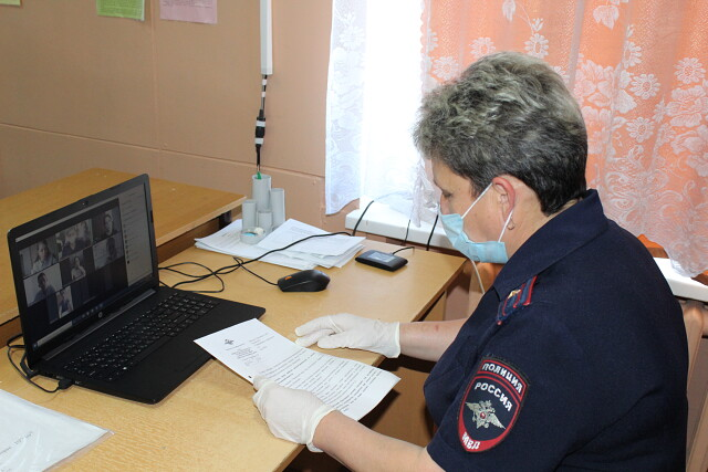 Первомайские полицейские совместно с общественниками приняли участие в акции «Каникулы с Общественным советом»