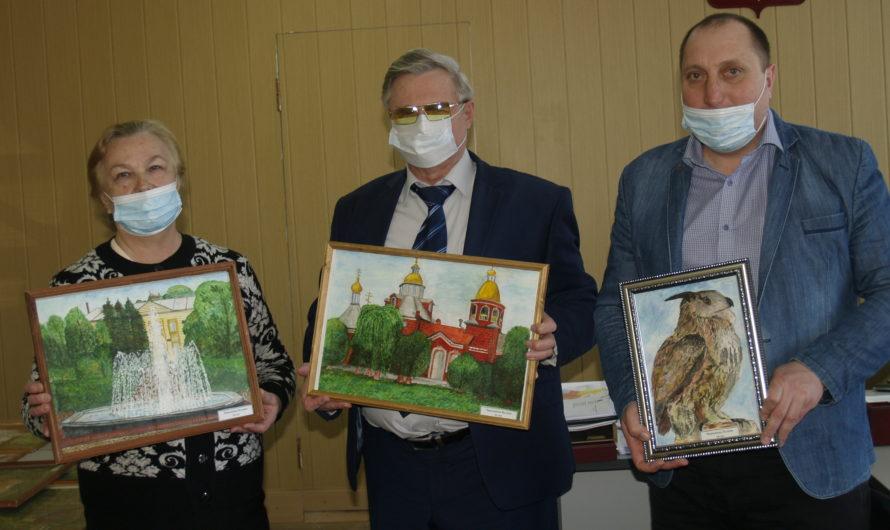 Фойе детской поликлиники Первомайского района будет украшено детскими рисунками