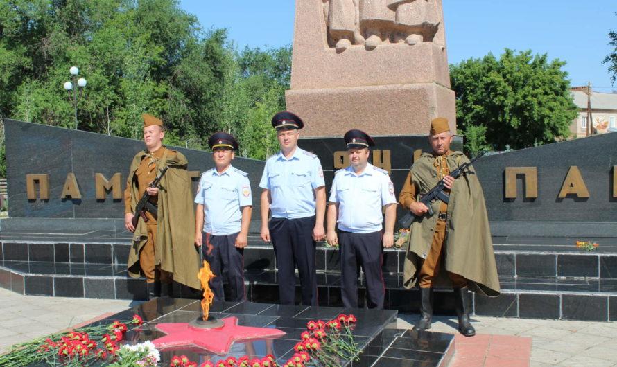Сотрудники ОМВД России по Первомайскому району приняли участие в торжественных мероприятиях, посвящённых Дню памяти и скорби